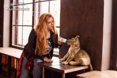 Катя Ковская с львенком - 3